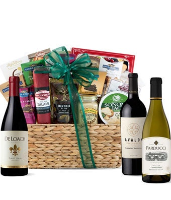 Wine basket with chocolate with Pinot Noir, Merlot and Chardonnay