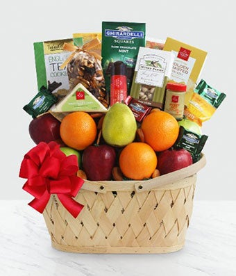 Fresh fruit gourmet basket to send