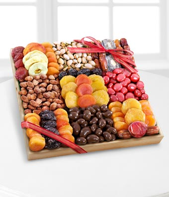 Large Season's Snacks Dried Fruit, Nuts & Sweets Tray