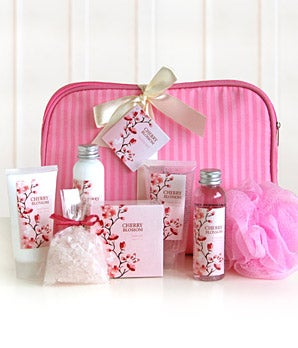 Spa gift basket for delivery with a pink gift bag