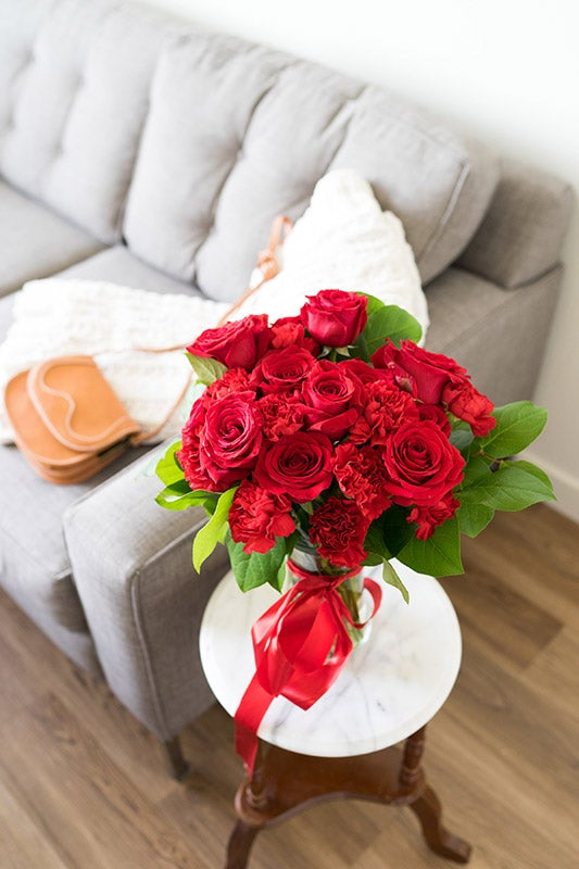 Where to buy flowers and same day flower delivery online