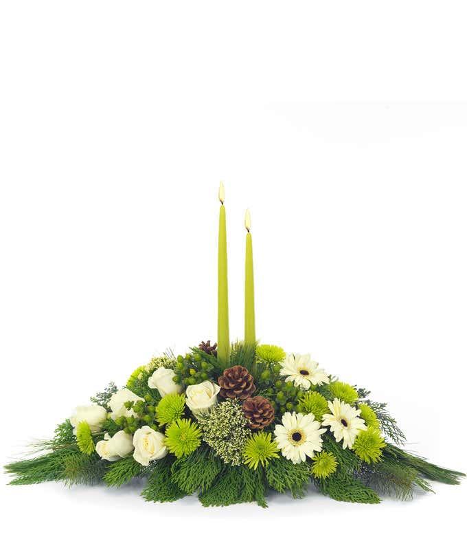Christmas Flower Arrangements.Christmas Flower Centerpiece