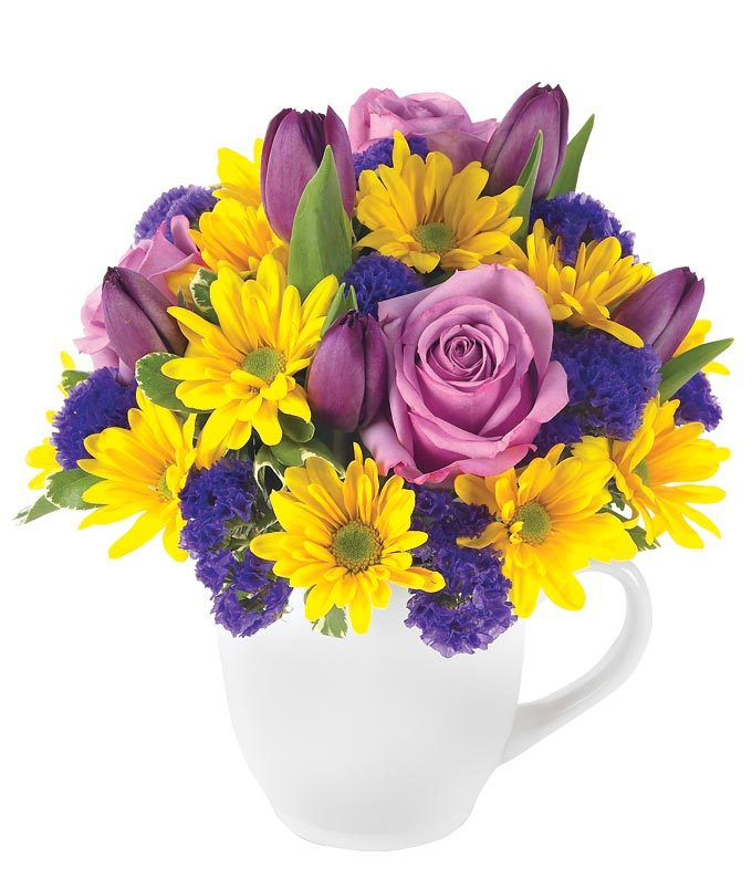 Mug vase with purple roses and tulips