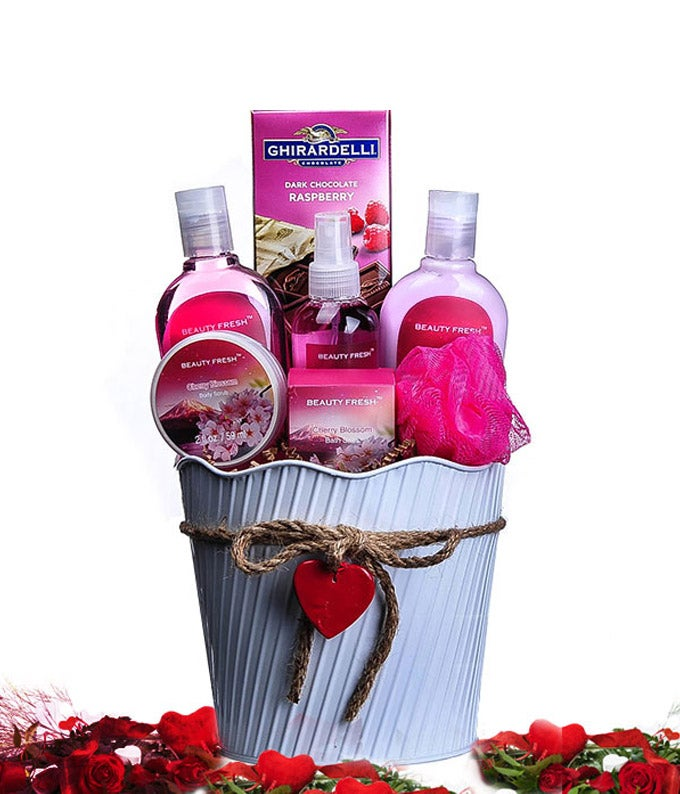 The Valentine Spa Basket