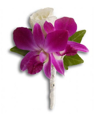 Flowers - Fresh in Fuchsia Boutonniere - Regular