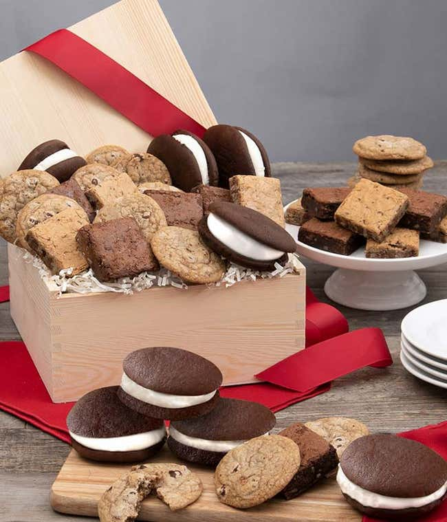 Cookies All Day Basket - Deluxe