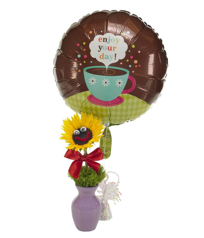 Sunflower paired with mylar balloon for delivery