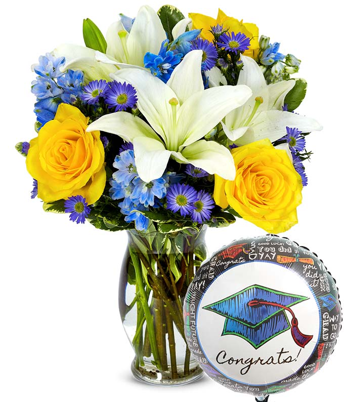 Graduation balloon with a blue and yellow flower bouquet