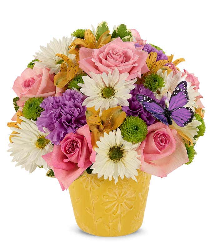 Daisy and pink rose bouquet