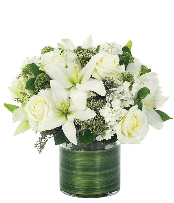 Lovely Lily & Roses Bouquet - All White