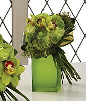 Bridesmaid bouquet with green roses and carnations
