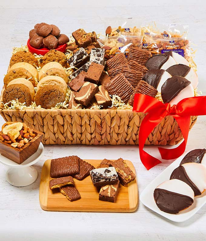 Sweet and Salty Delights Basket - Deluxe