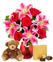 Pink stargazer lilies with red roses