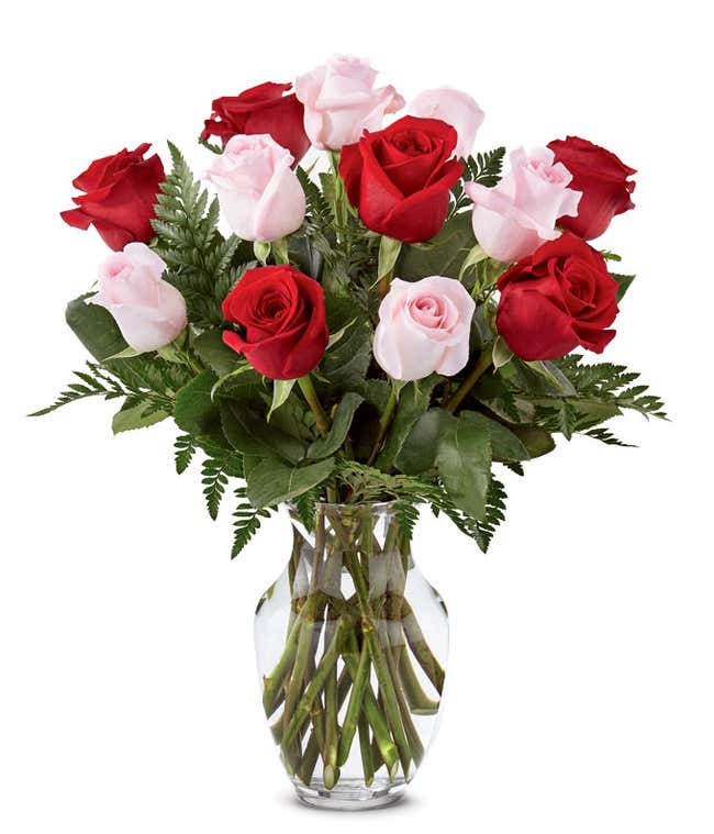 Red roses and pink roses for valentine's gift