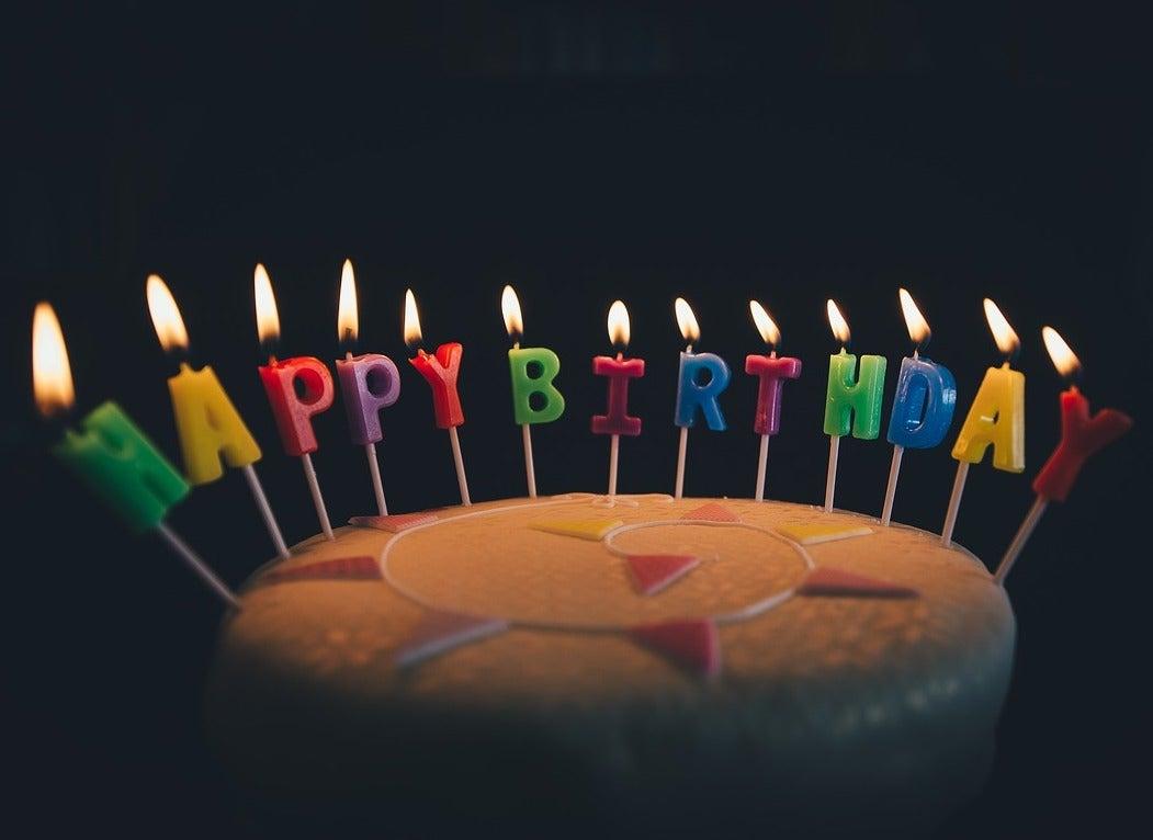 Most popular month for birthdays and birthday flower cake