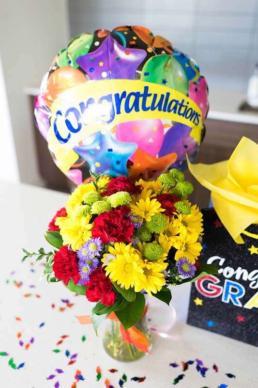 Where to buy flowers for graduation and send graduation flowers